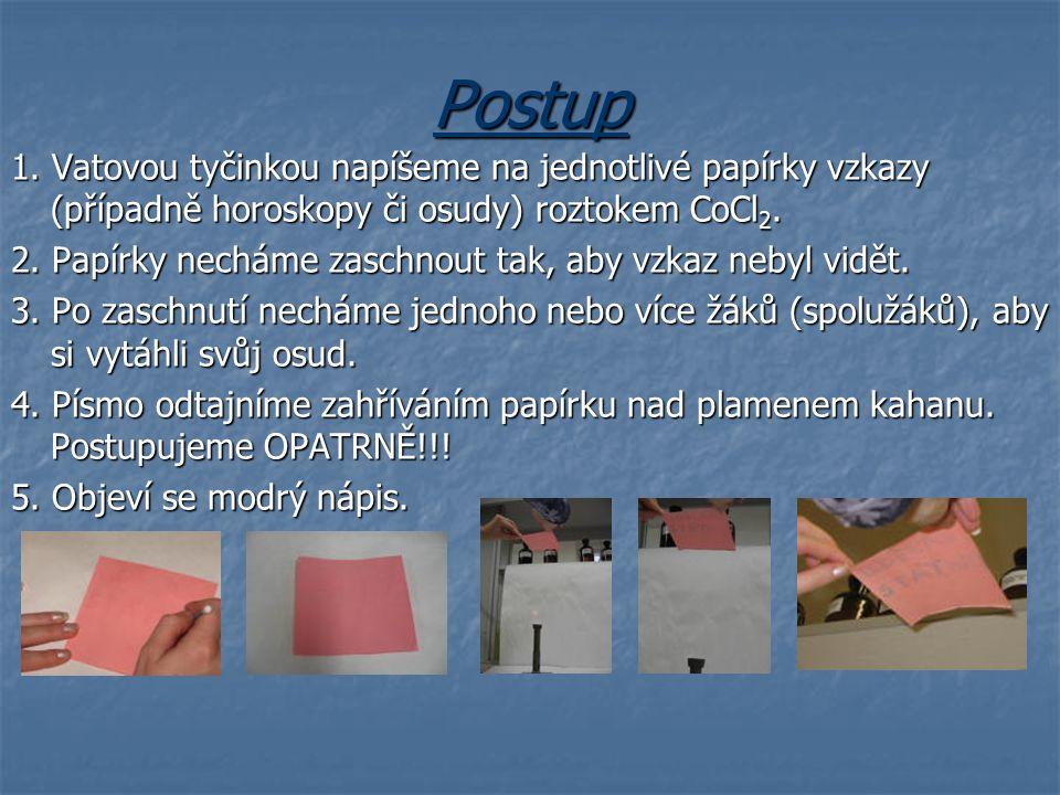 Vysvětlení Roztok chloridu kobaltnatého má růžovou barvu.