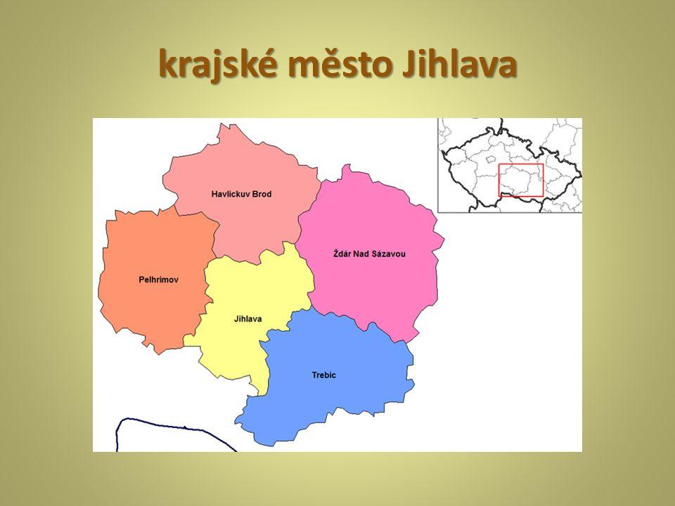 Kraj Vysočina leží uprostřed naší republiky mezi Čechami a Moravou mnoho listnatých a jehličnatých lesů  čisté ovzduší nízká nadmořská výška, přesto málo úrodná půda