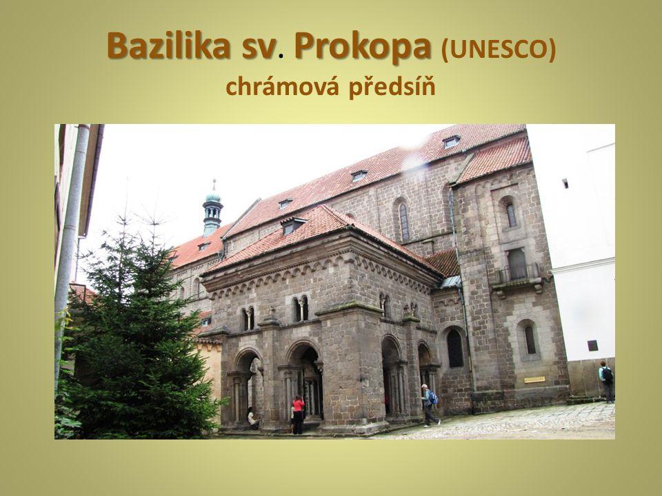 BazilikasvProkopa Bazilika sv. Prokopa (UNESCO) chrámová předsíň