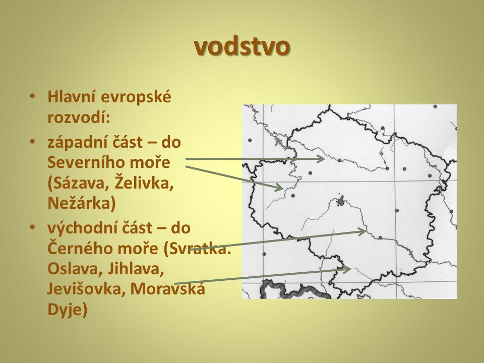 vodstvo Hlavní evropské rozvodí: západní část – do Severního moře (Sázava, Želivka, Nežárka) východní část – do Černého moře (Svratka. Oslava, Jihlava