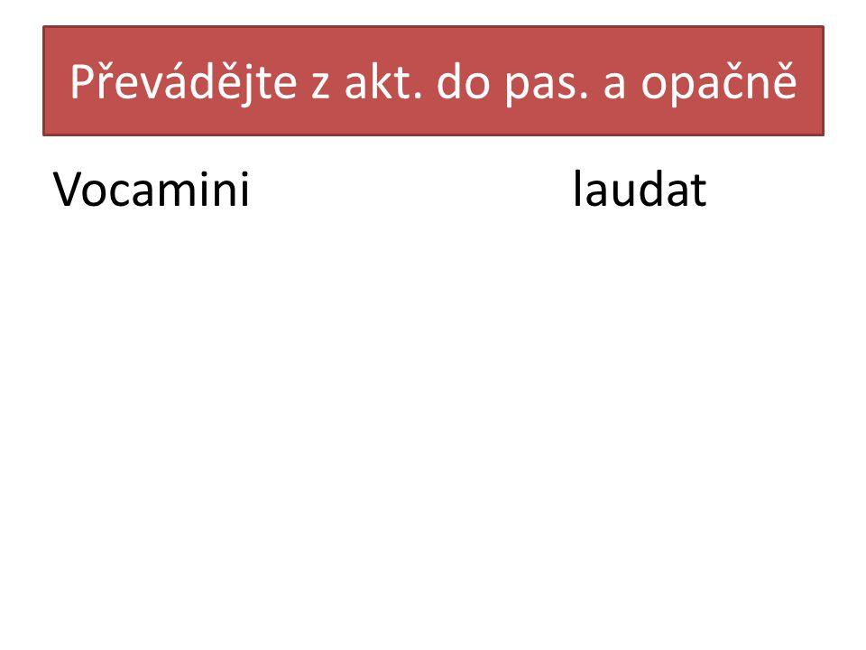Přeložte větu Fabulae de deis in schola narrantur.