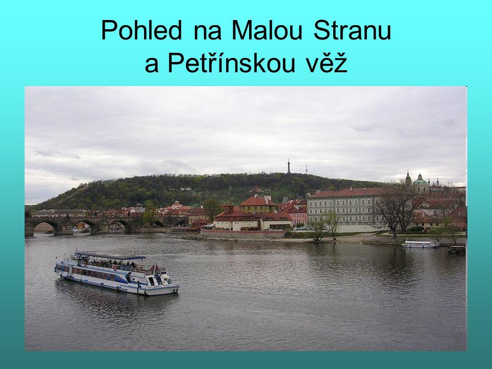 Pohled na Malou Stranu a Petřínskou věž