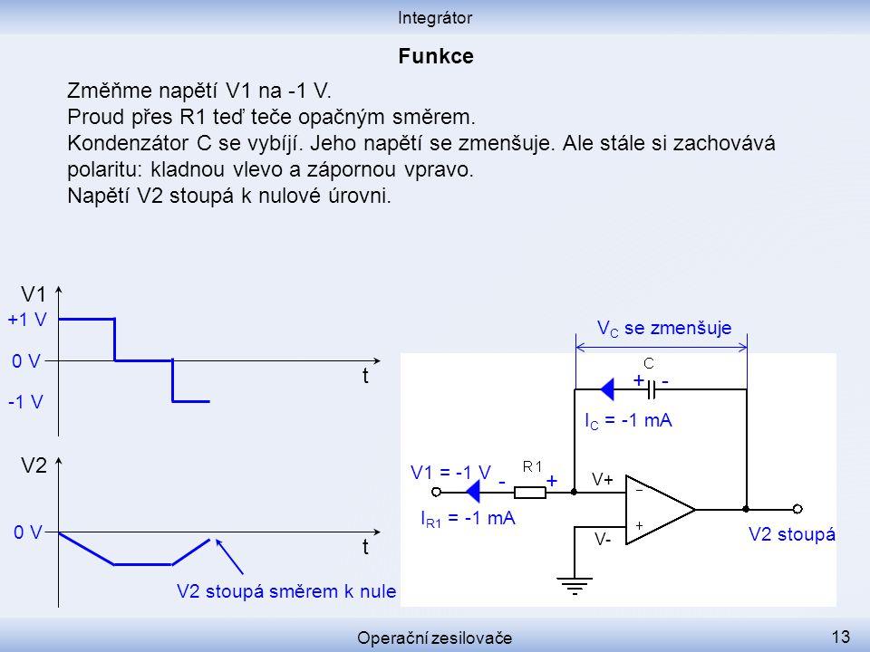 Změňme napětí V1 na -1 V. Proud přes R1 teď teče opačným směrem. Kondenzátor C se vybíjí. Jeho napětí se zmenšuje. Ale stále si zachovává polaritu: kl