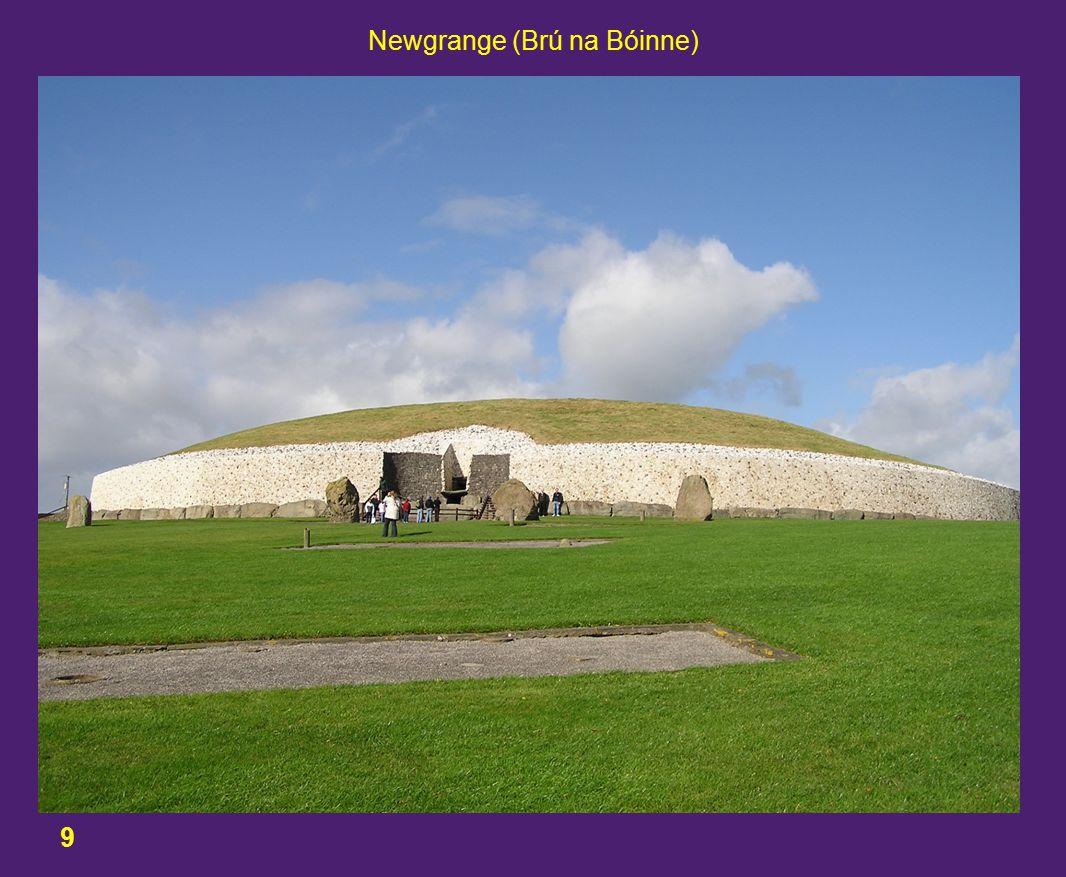 9 Newgrange (Brú na Bóinne)