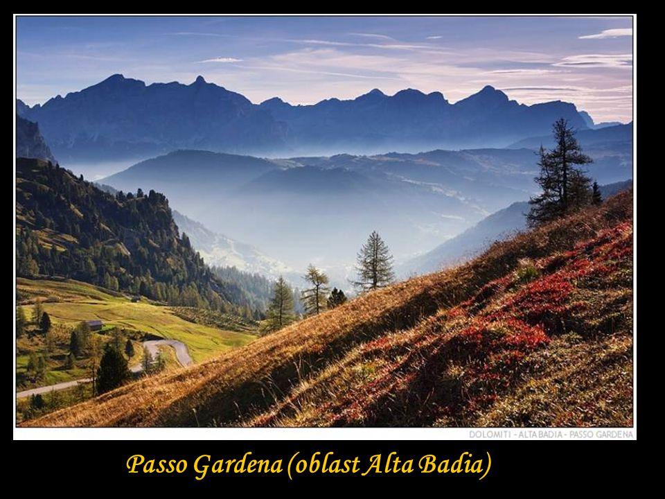nejvýše položená chata v Dolomitech Lorenzo (2973 m.n.m.)