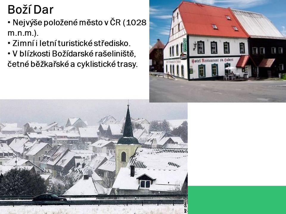 Boží Dar Nejvýše položené město v ČR (1028 m.n.m.).