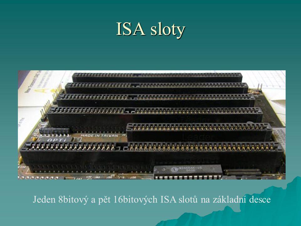 ISA sloty Jeden 8bitový a pět 16bitových ISA slotů na základní desce