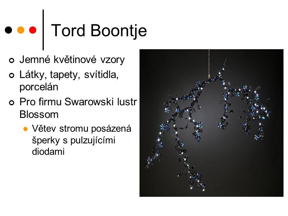 Tord Boontje Jemné květinové vzory Látky, tapety, svítidla, porcelán Pro firmu Swarowski lustr Blossom Větev stromu posázená šperky s pulzujícími diod