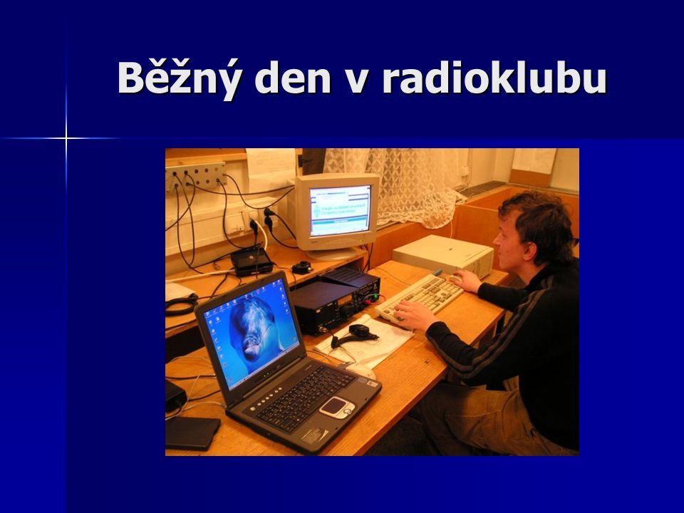 Běžný den v radioklubu