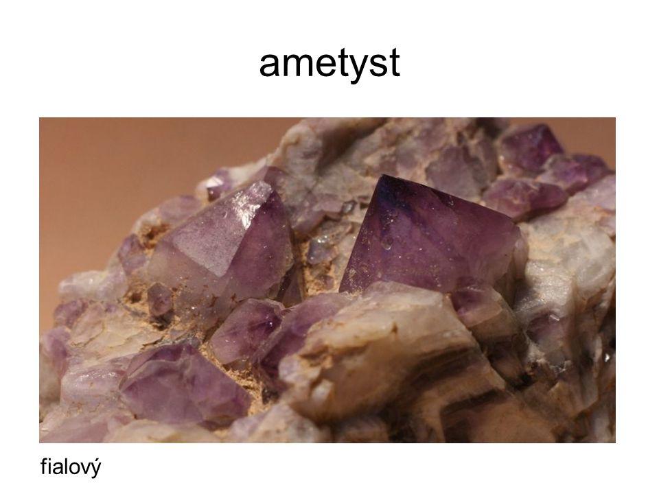 ametyst fialový