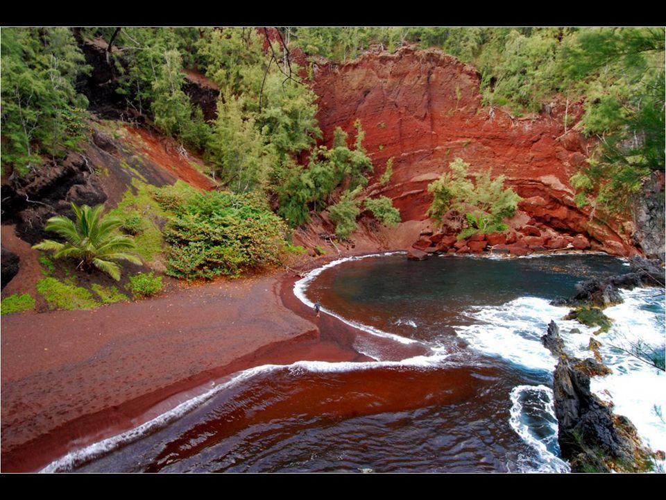 Červená pláž Kaihalulu, Hawaii