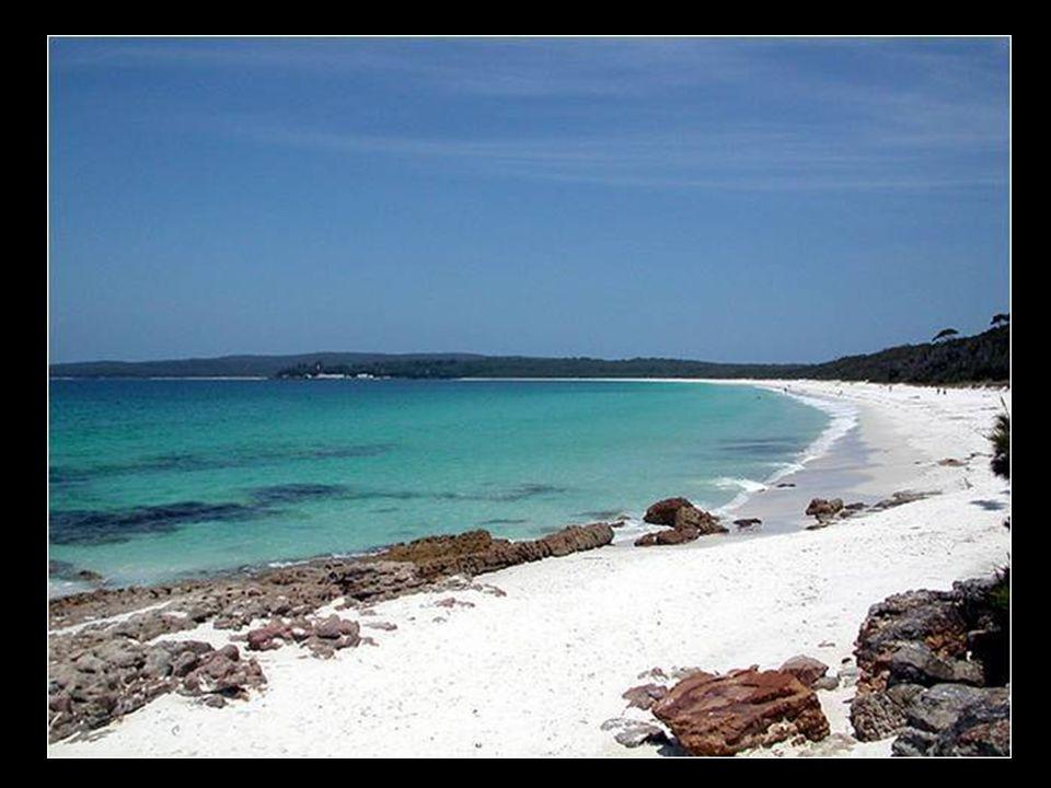 Bílá pláž v Austrálii (Hyams Beach)