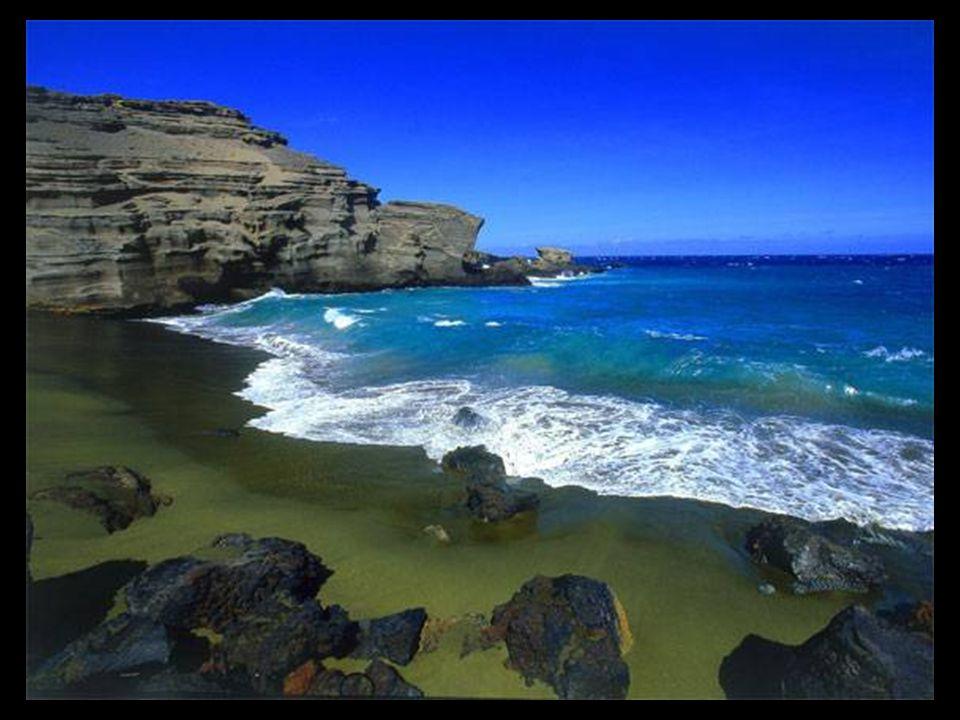 Olivín je běžnou součástí lávy z Havaje.