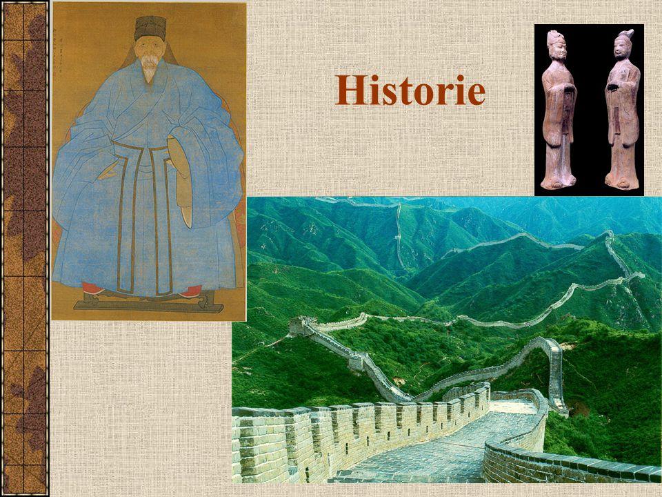 Dynastie Říše středu vláda z pověření nebes, dědičná přes 3700 let (dynastie Šang od r.