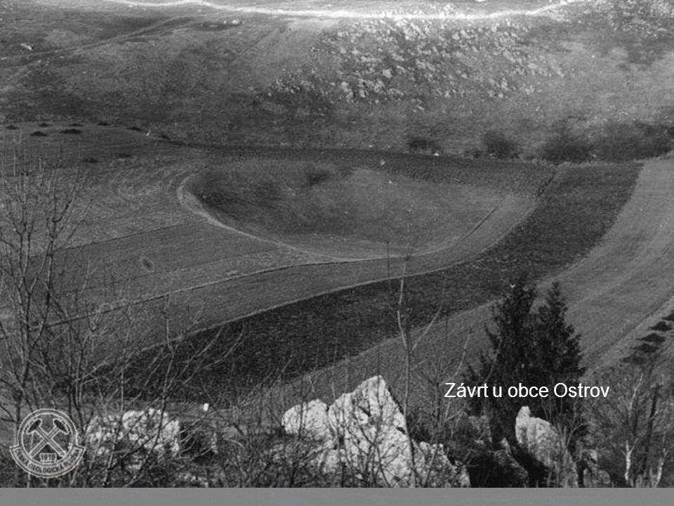 Ukázky závrtů Codron Walley – West Newfoundland Závrt v Kansasu, foto z roku 1898 Závrt u obce Ostrov