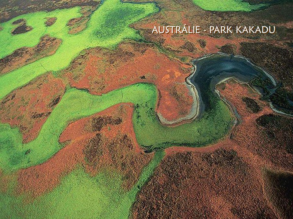 ISLAND - starý kráter ISLAND - starý kráter