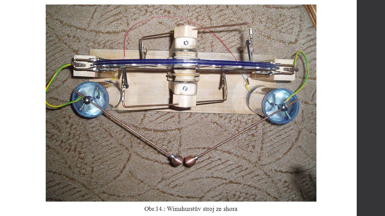 Obr.14.: Wimshurstův stroj ze shora