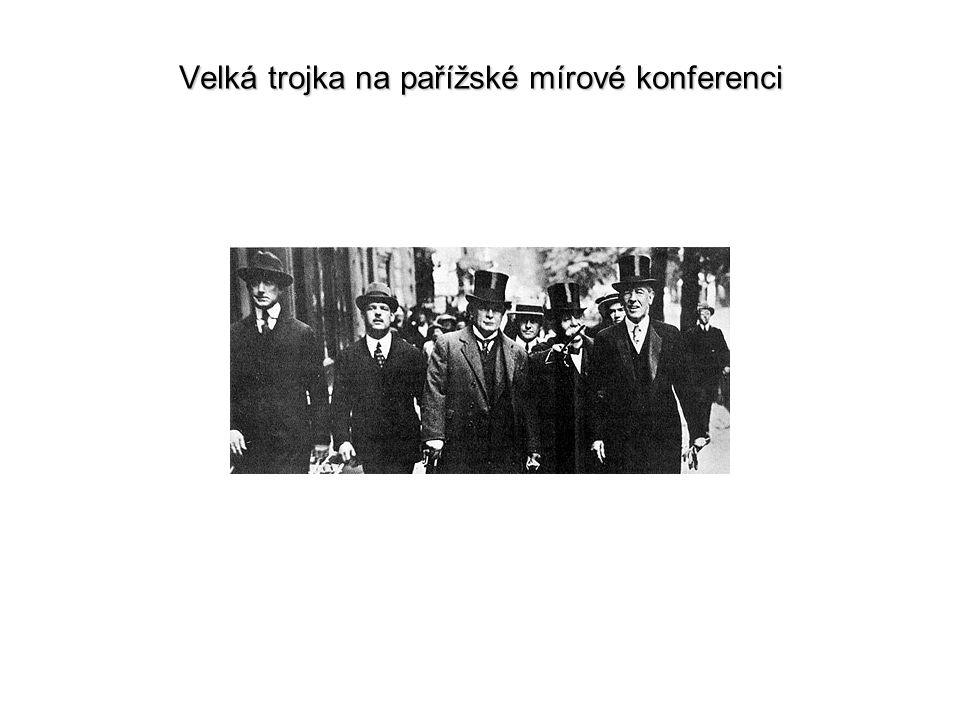 """Válečná ekonomika Německa Připravenost ekonomiky na válku 1939Připravenost ekonomiky na válku 1939 Hospodářská exploatace obsazeného území a výstavba """"velkoprostorového hospodářství (autarkie na účet porobených národů)Hospodářská exploatace obsazeného území a výstavba """"velkoprostorového hospodářství (autarkie na účet porobených národů) - majetkové změny ve prospěch německých subjektů (""""arizace ) Od porážky pod Moskvou do poloviny 1944 – mobilizace všech dostupných výrobních kapacit a pracovních sil (""""totální mobilizace pro válku)Od porážky pod Moskvou do poloviny 1944 – mobilizace všech dostupných výrobních kapacit a pracovních sil (""""totální mobilizace pro válku) - nucená práce zahraničních dělníků v Německu - práce vězňů koncentračních táborů Od podzimu 1944 ekonomický rozkladOd podzimu 1944 ekonomický rozklad"""