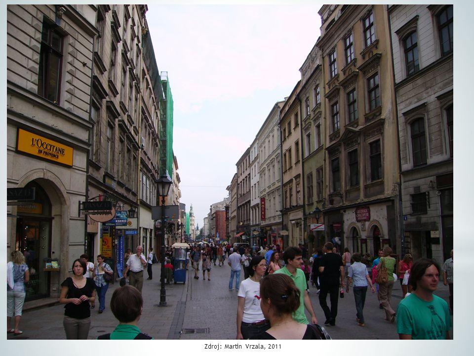 * za 2. světové války a po ní velké změny * zahynulo 6 mil. Poláků * 10 mil. bylo vystěhováno nebo odsunuto * po odsunu Němců přesídlilo z V na Z 4,5