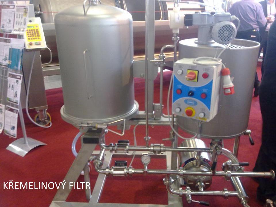 Filtrace Před stáčením vína do lahví probíhá několik filtrací. Poslední filtrace si klade za cíl mikrobiologickou stabilitu vín. Víno se nejčastěji fi
