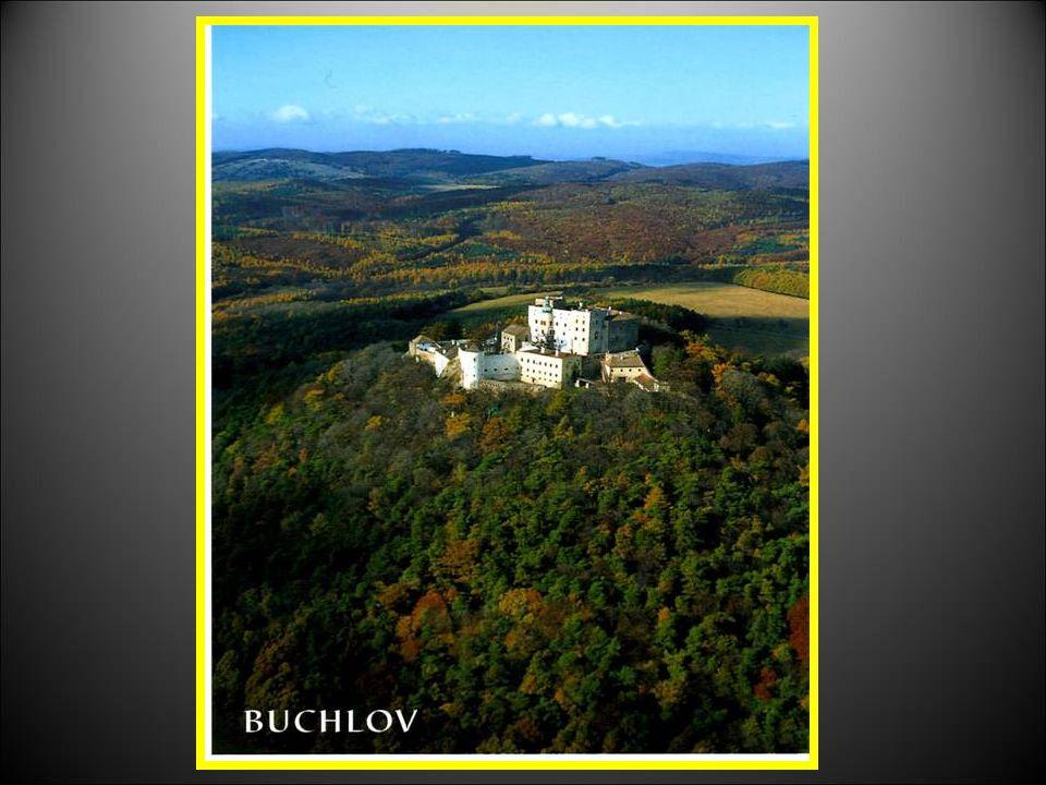 STÁTNÍ HRAD BUCHLOV Hrad BUCHLOV byl založen v první polovině 13. století českým králem Přemyslem Otakarem prvním. Hrad byl založen jako významný stra