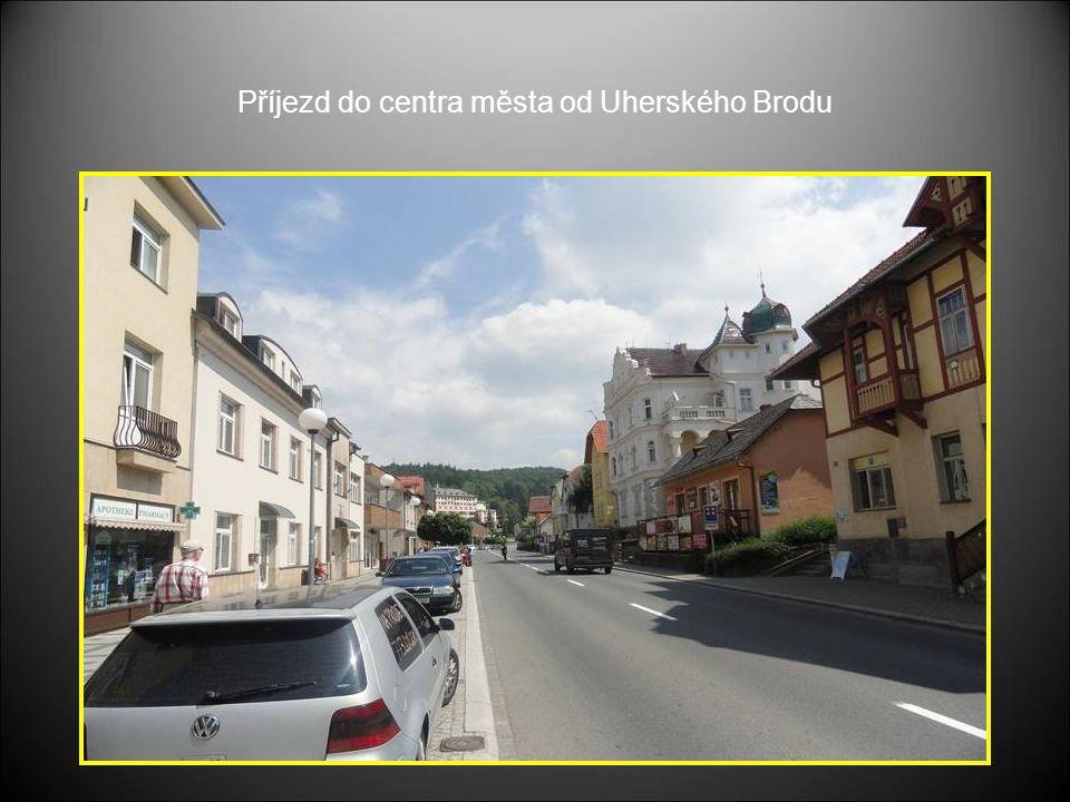 Příjezd do centra města od Uherského Brodu