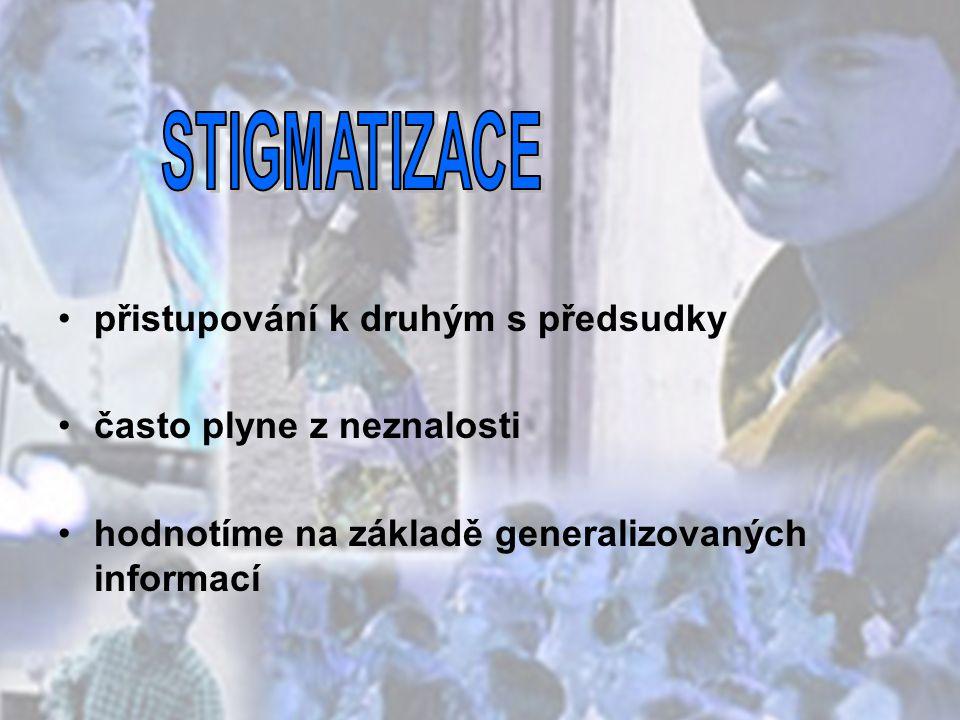 - společenství občanů ČR žijících na území České republiky, - odlišují se od ostatních občanů zpravidla společným etnickým původem, jazykem, kulturou, tradicemi, - tvoří početní menšinu obyvatelstva - projevují vůli být považováni za národnostní menšinu za účelem společného úsilí o zachování a rozvoj vlastní svébytnosti, jazyka a kultury a za účelem vyjádření a ochrany zájmů jejich společenství, které se historicky vytvořilo.