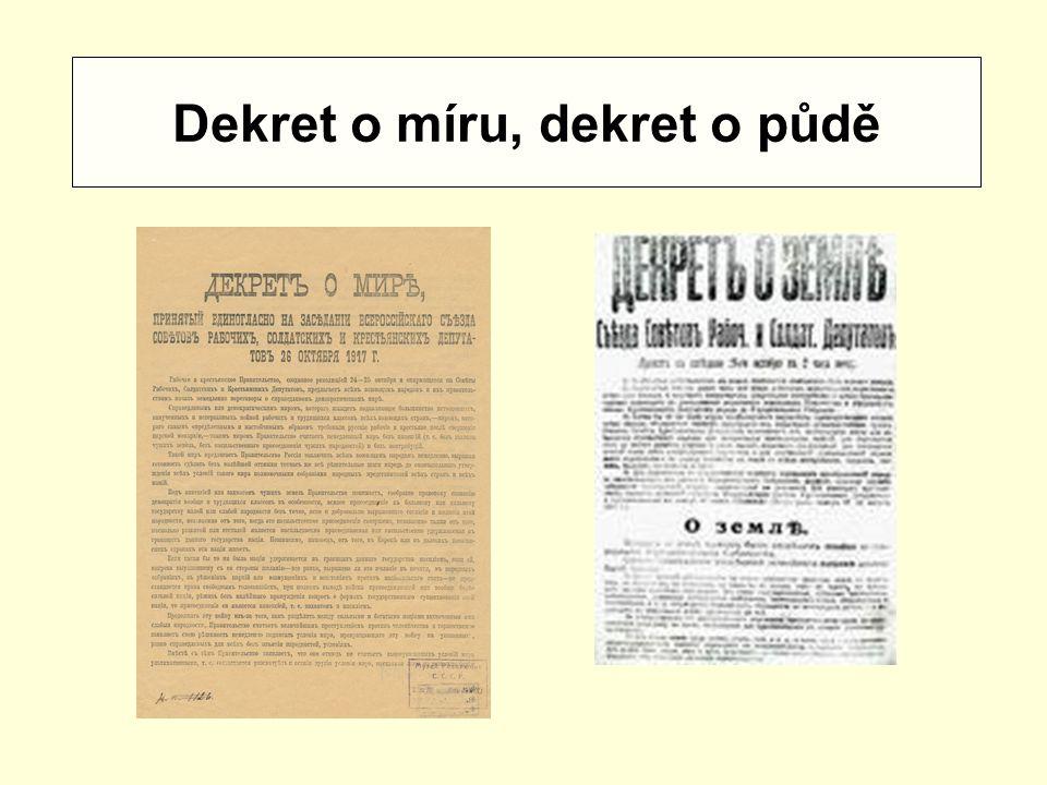 Dekret o míru, dekret o půdě