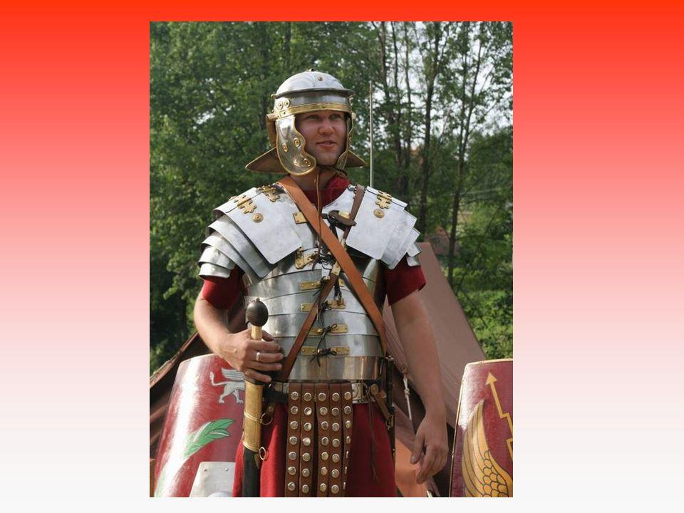Kožená zbroj Štít Vrhací oštěp Meč Železná přilba Obléhací stroje, beranidla, katapult, pohyblivé věže gladius