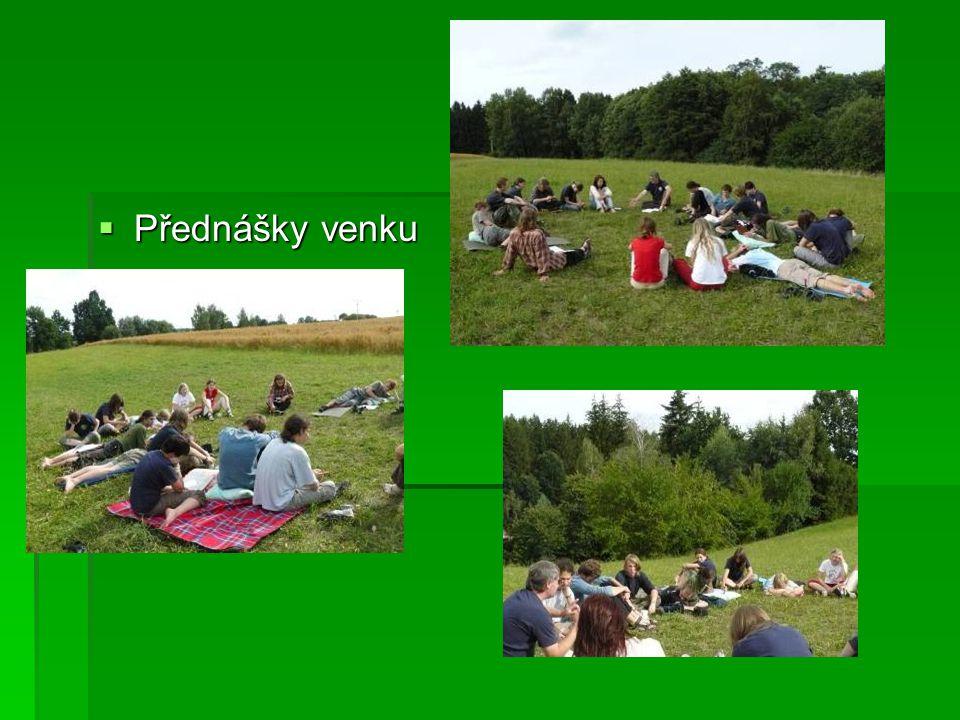  Přednášky venku