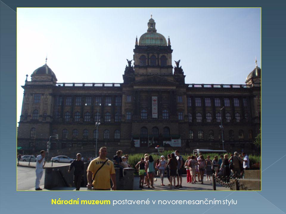 Národní muzeum postavené v novorenesančním stylu