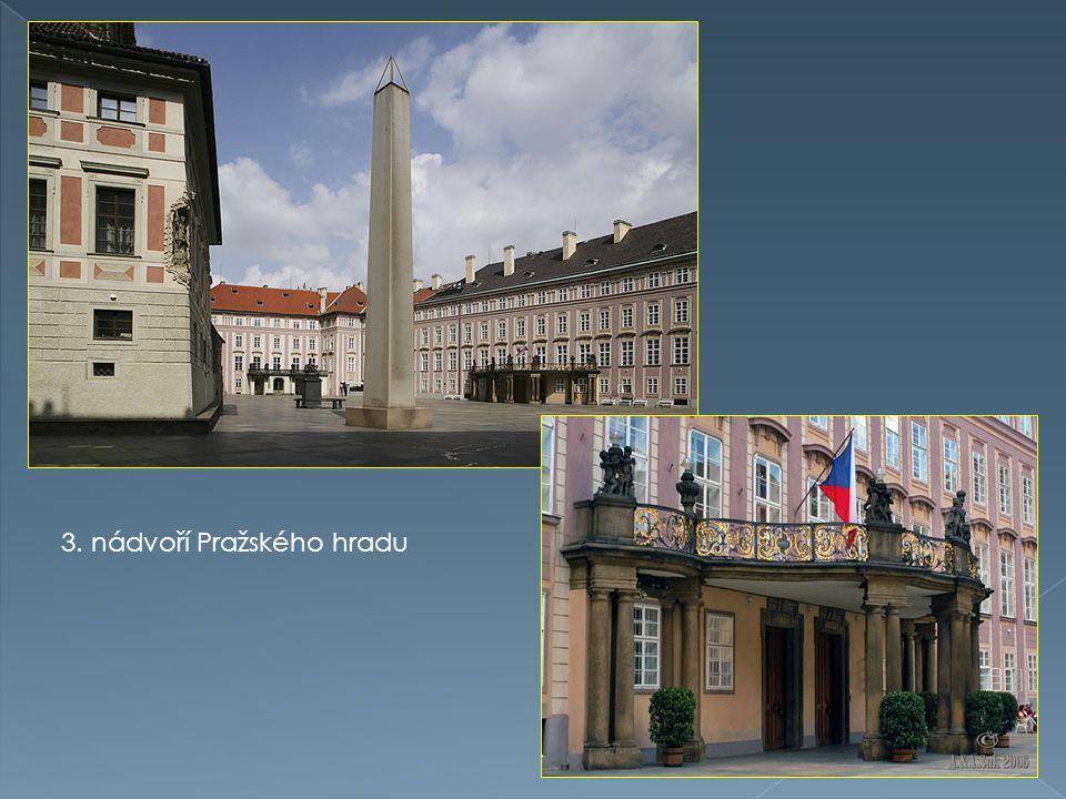 Belvedér ( Letohrádek královny Anny ) nachází se v Královské zahradě Pražského hradu.