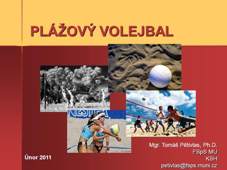 HISTORIE Beach volejbal vzniknul přibližně ve dvacátých letech minulého století na plážích americké Kalifornie, a od poloviny let osmdesátých prožívá celosvětový rozvoj, díky kterému je v současnosti je zřejmě jedním z geograficky nejrozšířenějších sportů.