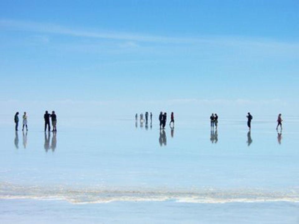 Pouš ť má plochu 12000 č tvere č ních kilometr ů a obsahuje cca 64 bilión ů tun soli.