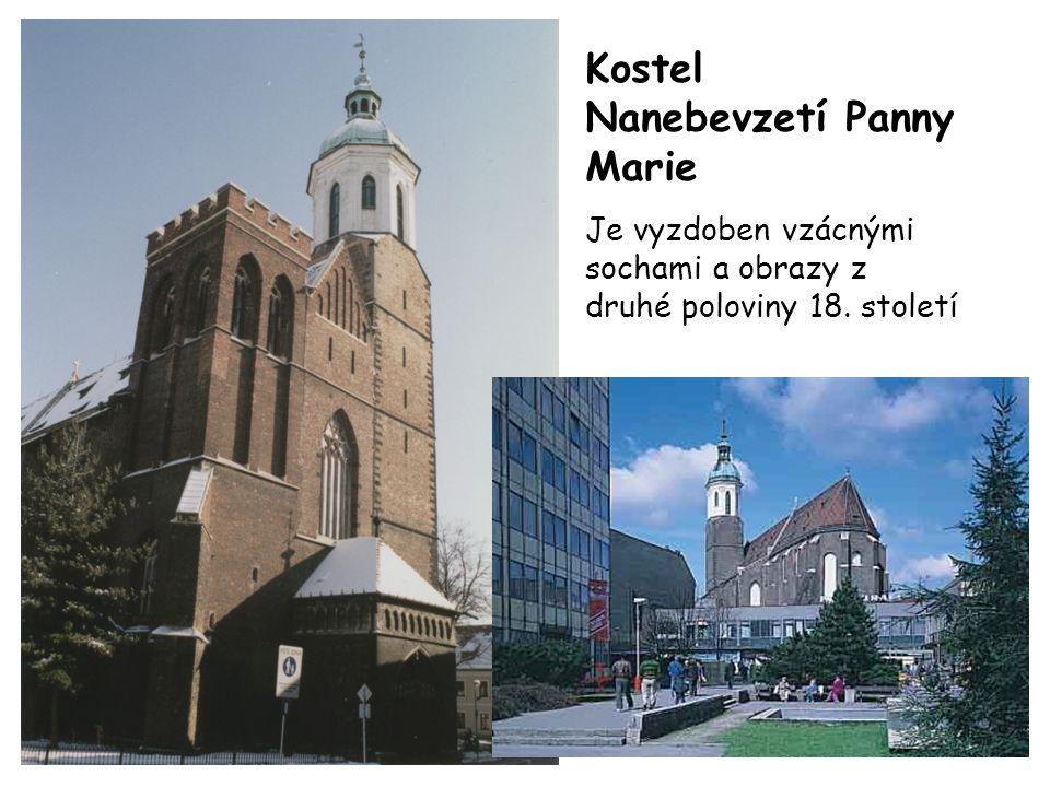 Kostel Nanebevzetí Panny Marie Je vyzdoben vzácnými sochami a obrazy z druhé poloviny 18. století