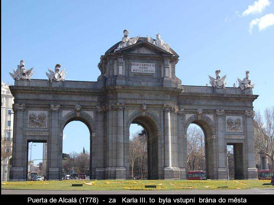 Madridská radnice a hlavní pošta v jedné budově.