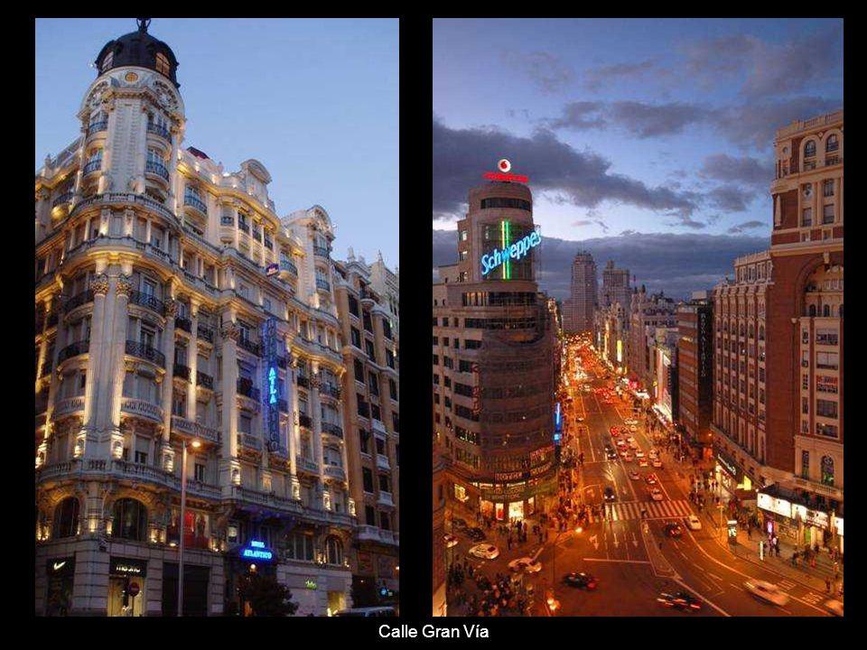 Gran Vía - jedna z hlavních madridských ulic, nazývaná také jako španělská Brodway.
