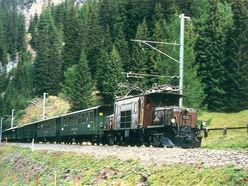 Švýcarsko – vlak před Jungfrau