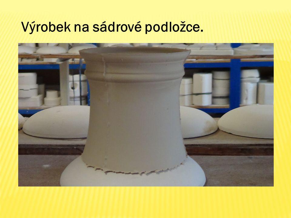 Výrobek na sádrové podložce.