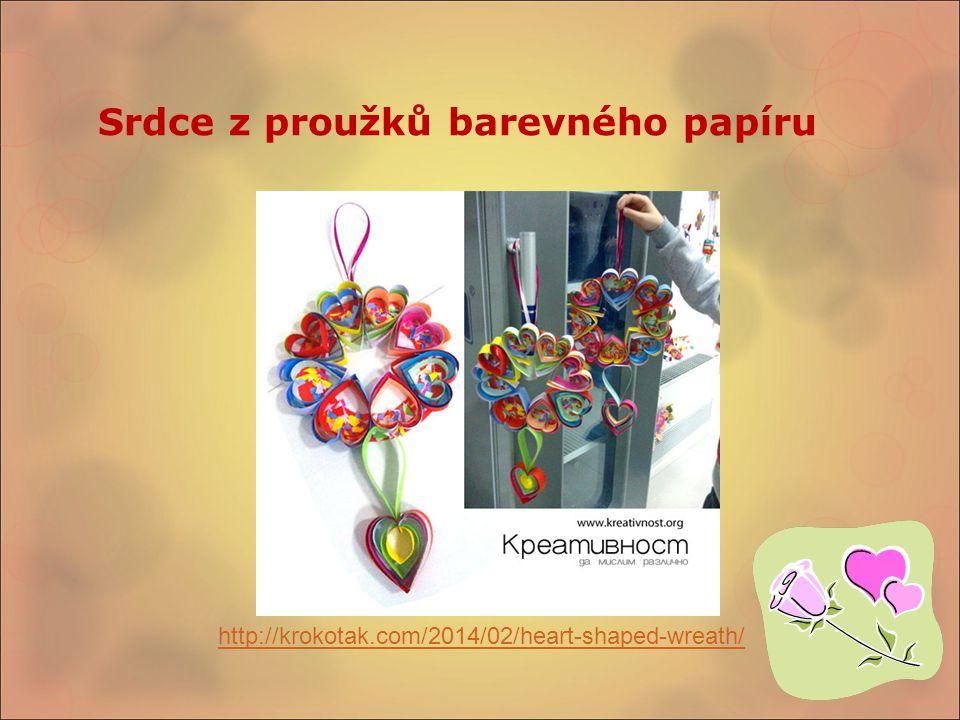 Srdce z proužků barevného papíru http://krokotak.com/2014/02/heart-shaped-wreath/
