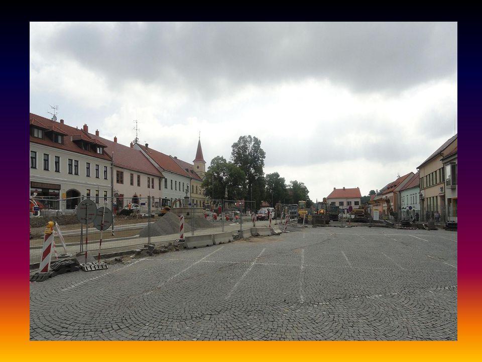 Pokračování rekonstrukce náměstí foto 12.6.