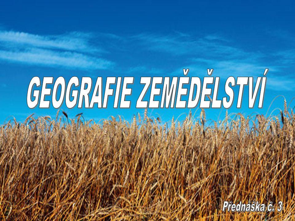 VLIV ZEMĚDĚLSTVÍ NA ŽIVOTNÍ PROSTŘEDÍ Nástup vědecko-technické revoluce (VTR) – vyvolány velké strukturální změny ve výrobě, nárůst specializace, koncentrace, kooperace ZV Mění se charakter práce i zemědělství, mechanizace, automatizace – rysy průmyslové práce Rezervy půdy, vhodné pro zemědělství - vyčerpány Probíhá intenzifikace ZV – roste podíl materiálně technických prostředků RV – zdokonalování regionálně diferencované agrotechniky, použití komplexu melioračních opatření, široká aplikace průmyslových hnojiv a prostředků chemické ochrany rostlin, nasazení dokonalejší mechanizace… ŽV – vysoká koncentrace hospodářských zvířat, mechanizace a automatizace všech prací To vše vytváří zcela nové vztahy mezi zemědělstvím a ŽP Tyto vztahy mají do značné míry přetrvávající charakter – vedou k negativním následkům