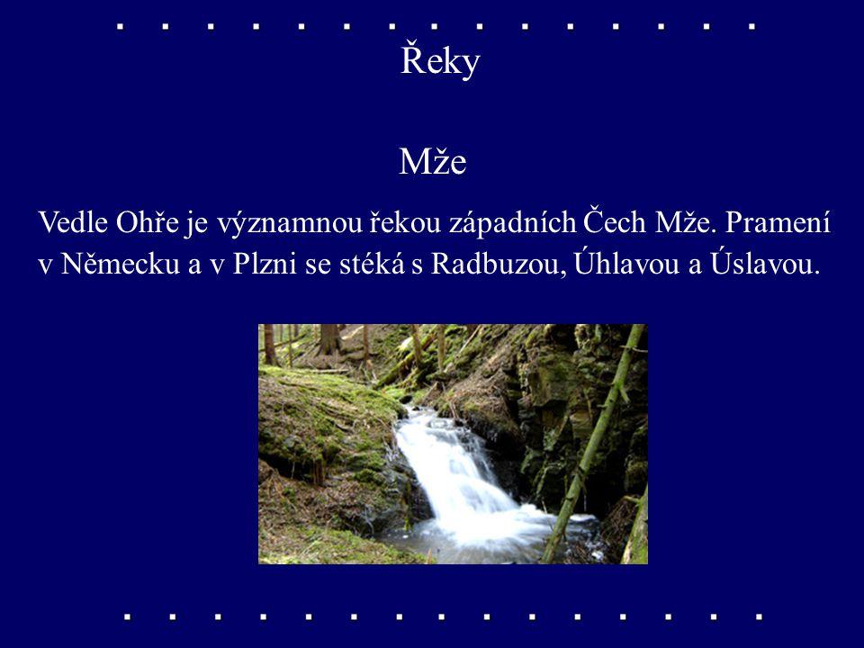Pohoří a hory Doupovské hory Leží poblíž Karlových Varů.