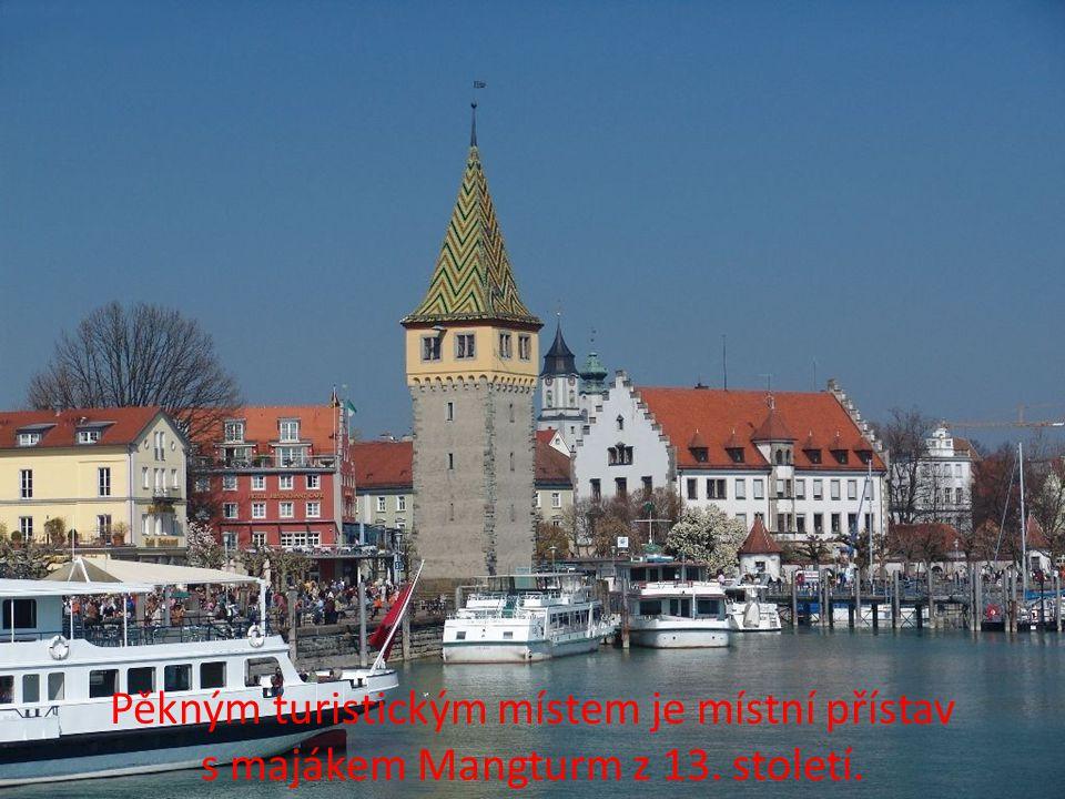 Patří mezi nejoblíbenější a nejhezčí bavorská města v okolí Bodamského jezera.