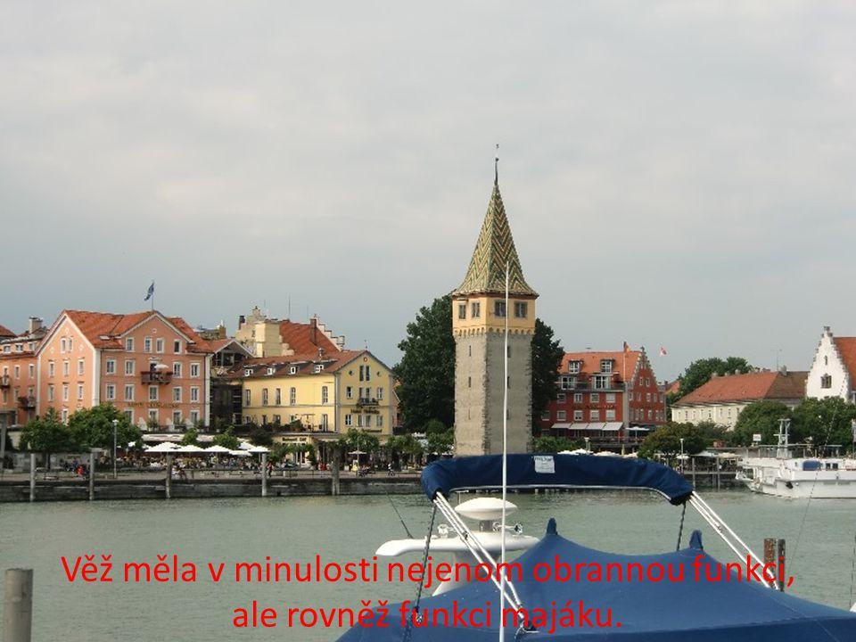 Pěkným turistickým místem je místní přístav s majákem Mangturm z 13. století.
