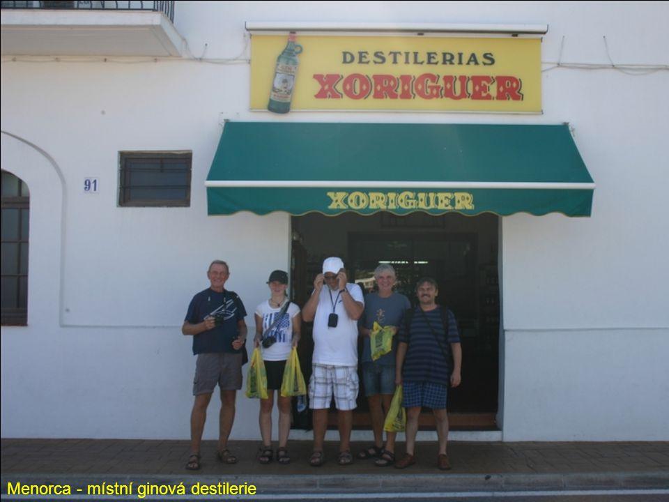 Menorca - místní ginová destilerie