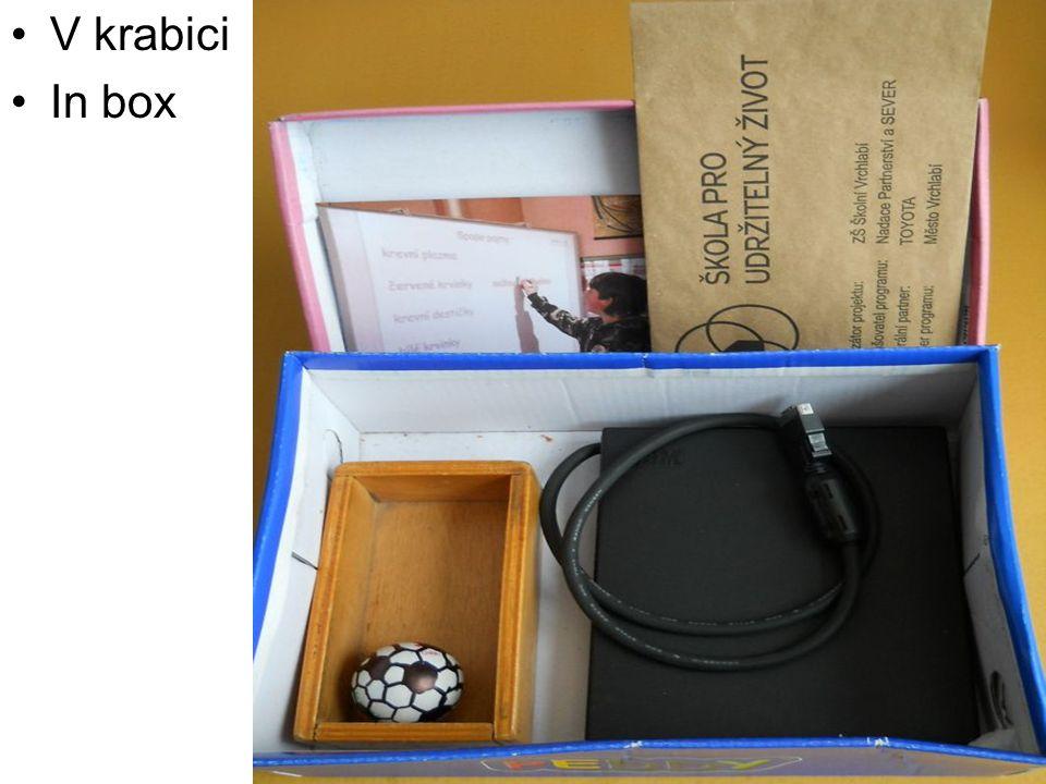 V krabici In box
