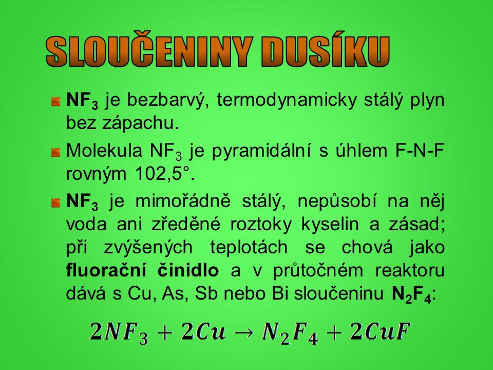 NF 3 je bezbarvý, termodynamicky stálý plyn bez zápachu. Molekula NF 3 je pyramidální s úhlem F-N-F rovným 102,5°. NF 3 je mimořádně stálý, nepůsobí n