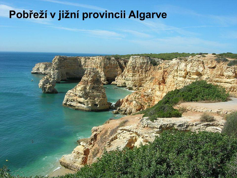 Pobřeží v jižní provincii Algarve