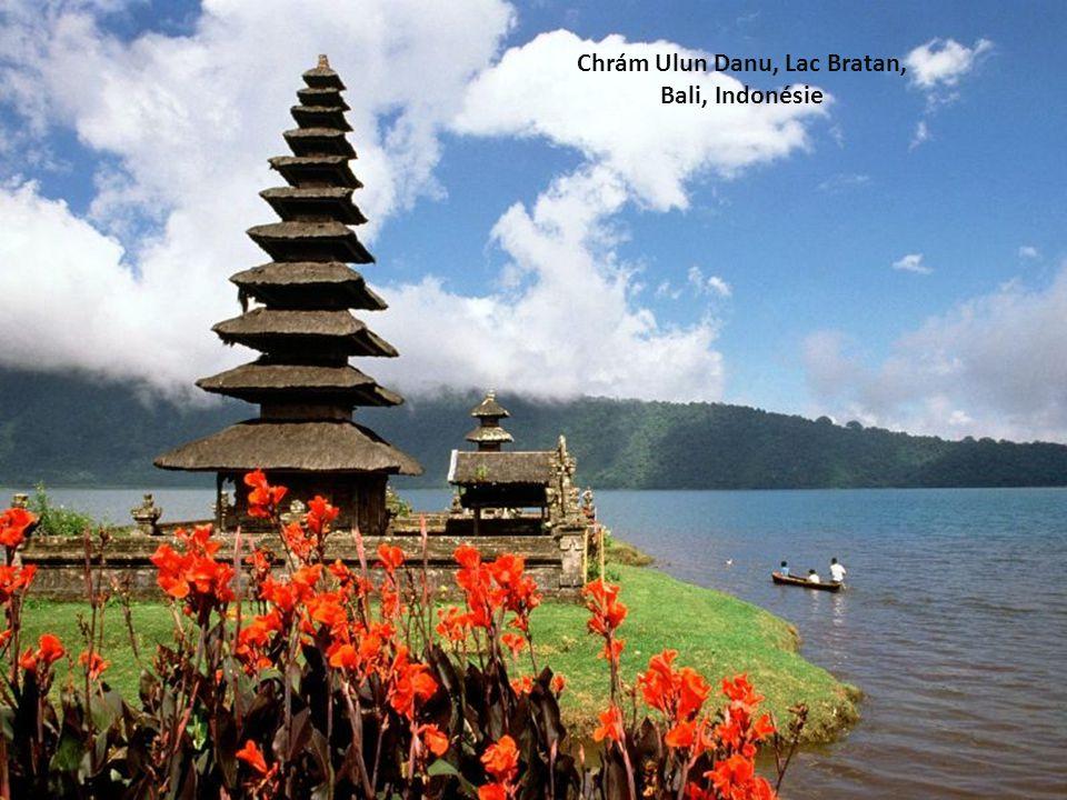 Chrám Ulun Danu, Lac Bratan, Bali, Indonésie